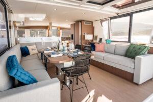 Spazio interno catamarano Bali 4.6