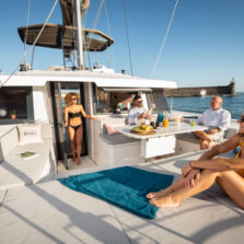 Prendisole a prua catamarano Bali 4.6